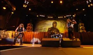 Iron Maiden 'The Wicker Man' In Chile (Live Video)