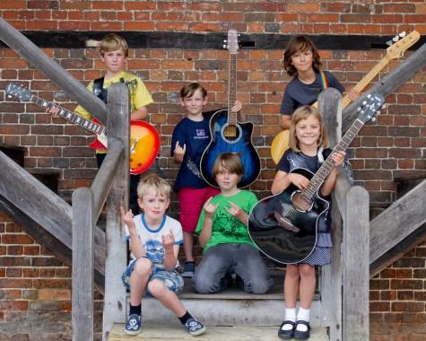 the-mini-band-members